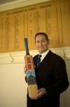 """CAYMAN CRICKET GOES """"ALL OUT"""" WITH ENGLAND LEGEND GRAHAM GOOCH AT WEEKEND FUNDRAISER"""